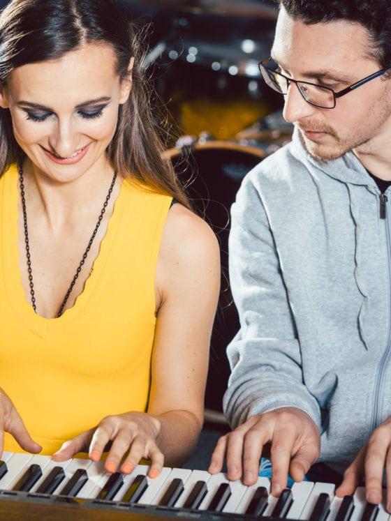 Des cours de piano pour débutant à Paris avec l'école Easy Band